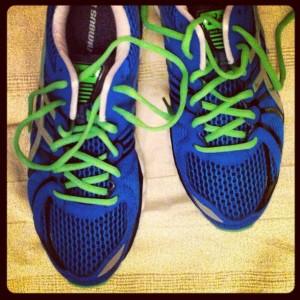 kobaltblauwe schoenen